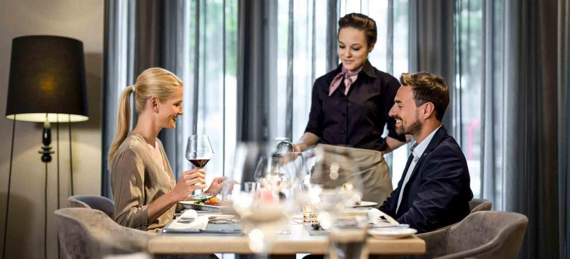 Pullman Hotel München Theos Lounge Restaurant